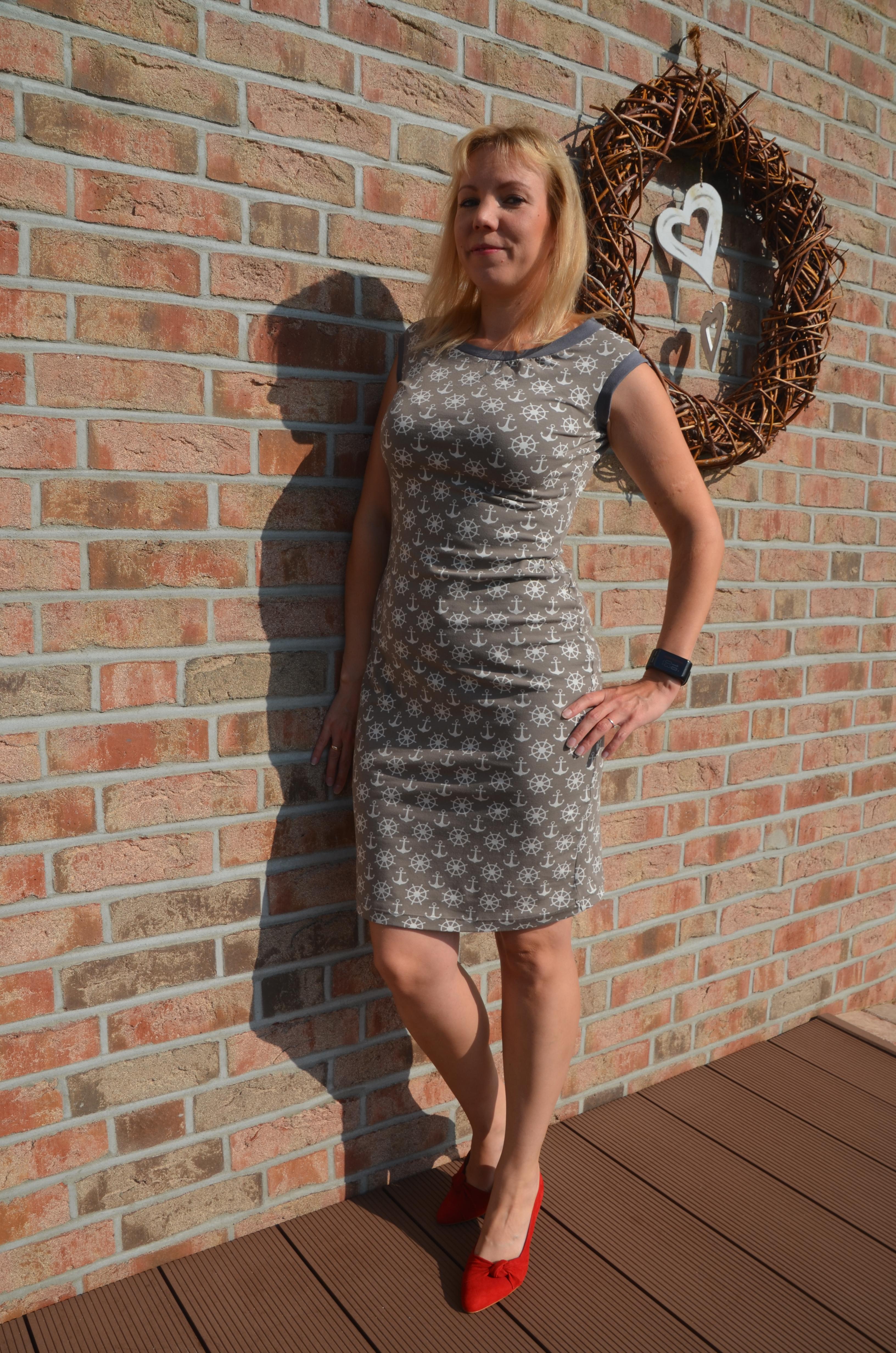 Kuropka_40_Kleid gerade